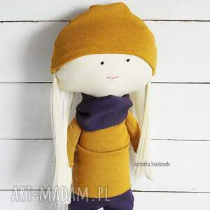 handmade zabawki lalka w fioletach