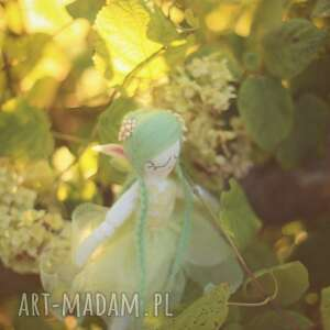 białe zabawki elf magiczna bajka - zielony