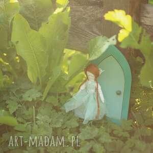 beżowe zabawki wróżka magiczna bajka - szmaragdowy elf