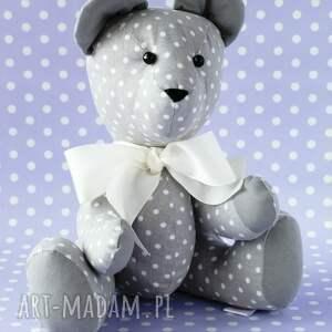 białe zabawki maskotka miś przytulanka szary w grochy