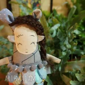 zabawki prezent dla dziecka jasira jest wnuczką sławnej w pewnych kręgach