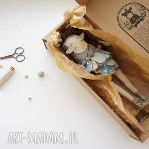 handmade zabawki zabawka szmacianka monsterówna jasira - lalka z tkanin