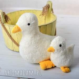 intrygujące zabawki kaczuszka-na-prezent przytulanka dziecięca kaczuszka