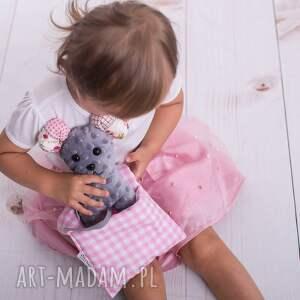 szare zabawki mysz-na-prezent przytulanka dziecięca mysz w beciku