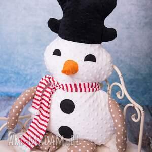 pomysł na prezent pod choinkę na święta przytulanka dziecięca bałwan