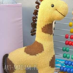 gustowne zabawki przytulanka podusia żyrafka