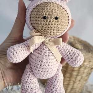 różowe zabawki maskotka przytulanka - w kapturku króliczka