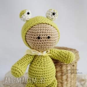 zielone zabawki przytulanka - w kapturku żabki