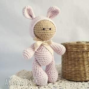 zabawki maskotka przytulanka - w kapturku króliczka