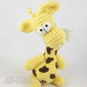 niesztampowe zabawki wesoła raffa - szydełkowa żyrafa
