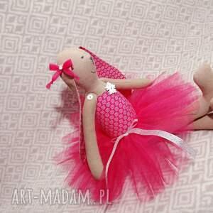 zabawki roczek rubinowa baletnica