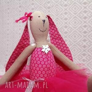 ręcznie zrobione zabawki roczek rubinowa baletnica