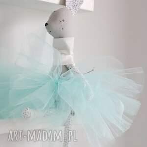niesztampowe zabawki sarenka baletnica