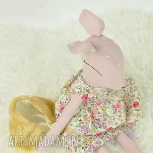 zabawki bambi sarenka w kwiecistej sukience