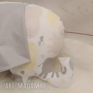 modne zabawki słoń z szeleszczącymi