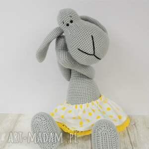 zabawki owieczka szydełkowa przytulanka