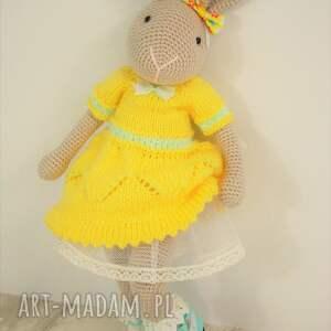 zabawki maskotka szydełkowy króliczek chloe