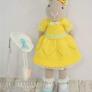 szydełko zabawki żółte szydełkowy króliczek chloe