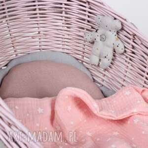pod choinkę kołyska wiklinowa różowa