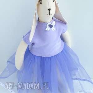awangardowe zabawki zając tilda w tiulowej sukni
