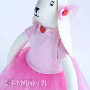 frapujące zabawki zając tilda w tiulowej sukni