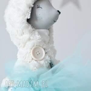 beżowe zabawki pelerynka zimowa baletnicy