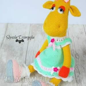 wyjątkowe zabawki dziewczynka żyrafa gusia szydełkowa przytulanka