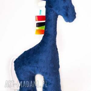 handmade zabawki maskotka żyrafa piórka granat