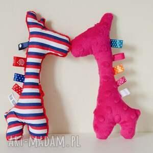 sensorek zabawki czerwone żyrafka grzechotka