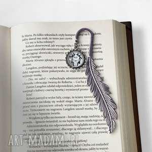 nietuzinkowe zakładki zakładka do książki z wilkiem