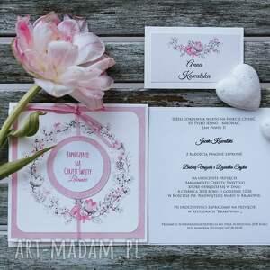 różowe zaproszenie na chrzest święty