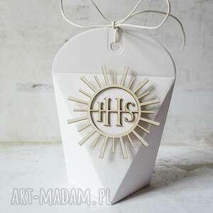 białe zaproszenie pudełko pudełeczka podziękowania dla gości
