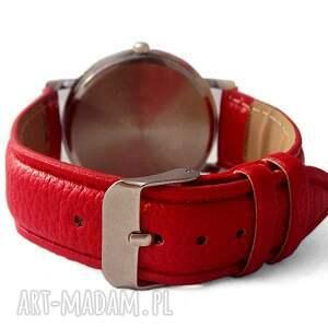 zegarek zegarki czerwone biedronki - skórzany z dużą