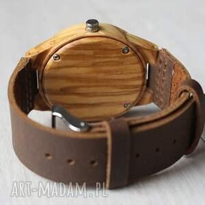 brązowe zegarki drewniany ekologiczny, zegarek z grawerowanymi