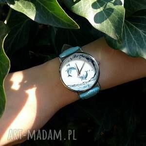 nietuzinkowe zegarki delfiny - skórzany zegarek z dużą