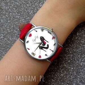 unikalne zegarki zegarek kobiecość - skórzany z dużą