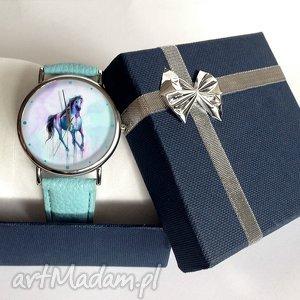 niebieskie zegarki koń - skórzany zegarek z dużą