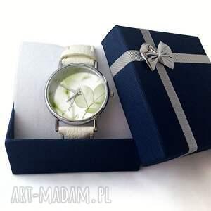 białe zegarki skórzany lekkość - zegarek z dużą