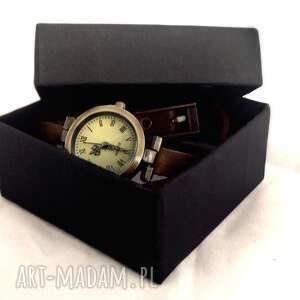 białe zegarki monogram na życzenie