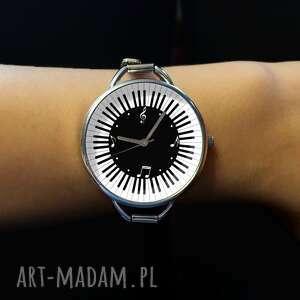 niepowtarzalne zegarki muzyka muzyczny czas - zegarek z dużą