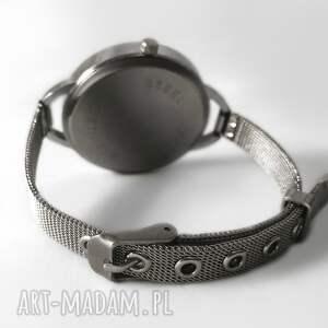 zegarek zegarki białe pepitka z dużą tarczką