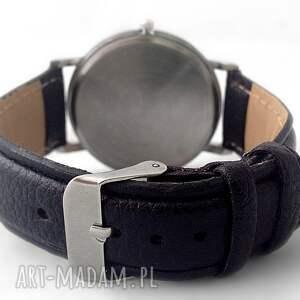 wilk zegarki białe - skórzany zegarek z dużą