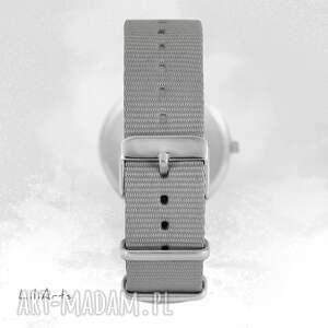 eleganckie zegarek, bransoletka - mapa świata