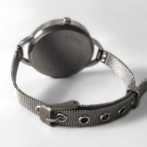 eleganckie zegarki zegarek-damski zegarek damski z bransoletą