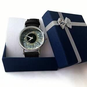 szare zegarki skórzany źrenica - zegarek z dużą