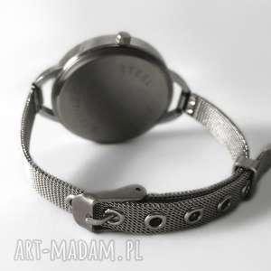 źrenica zegarki niebieskie - zegarek z dużą tarczką