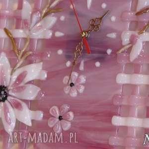 modne zegary szklo artystyczna kompozycja ze szkła