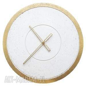 białe zegary zegar betonowy duży ścienny złoty