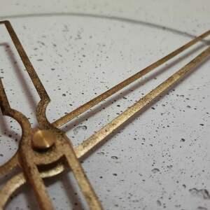złoty zegary duży betonowy zegar ścienny