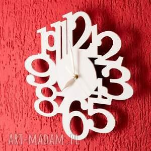 nietypowe zegary zegar drewniany biały